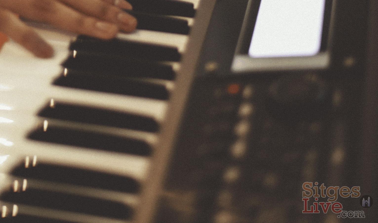 Solo Keyboard Singer - Sitges Barcelona