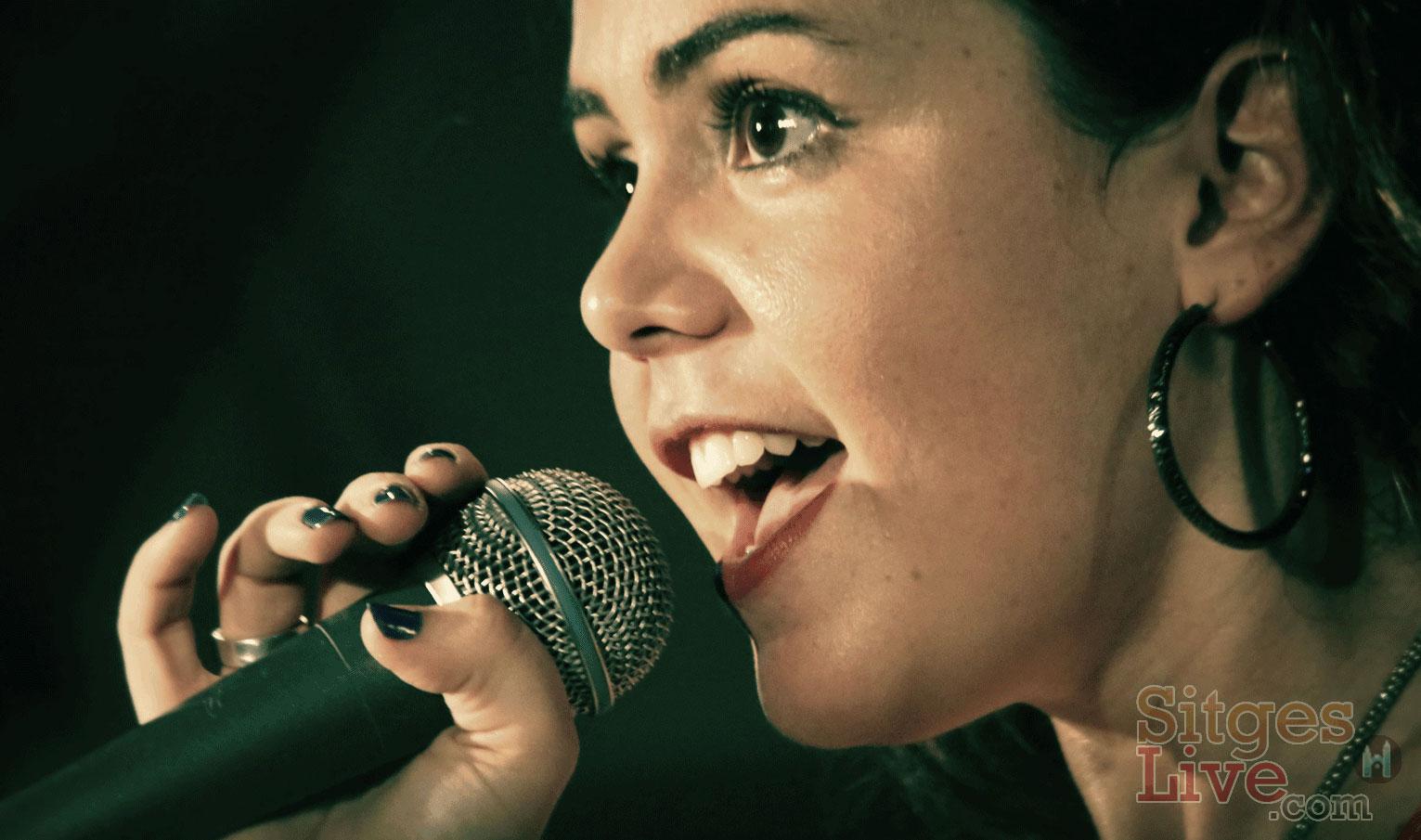 Solo Female Singer - Sitges Barcelona